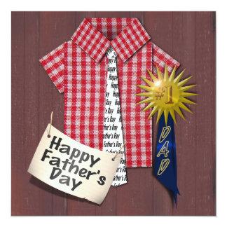 """Camisa roja del día de padre con el fondo del invitación 5.25"""" x 5.25"""""""