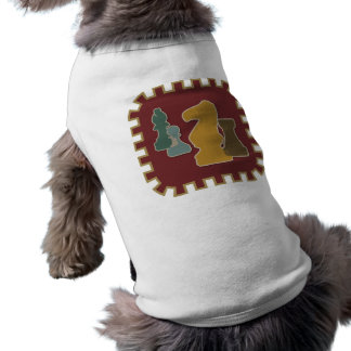 Camisa roja del mascota de los pedazos de ajedrez playera sin mangas para perro