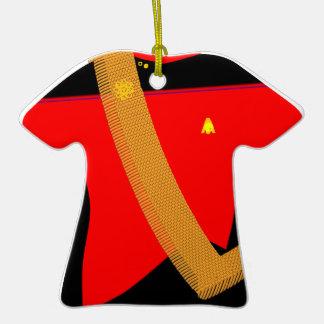 Camisa roja del oro de la camisa con el marco - ornamento de reyes magos