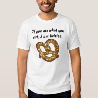 Camisa torcida del pretzel