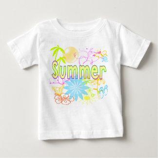 Camisa tropical del verano