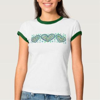 Camisa verde de los corazones del mosaico