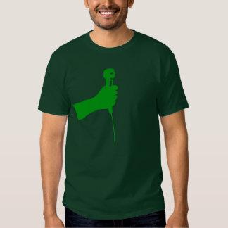 Camisa verde del micrófono