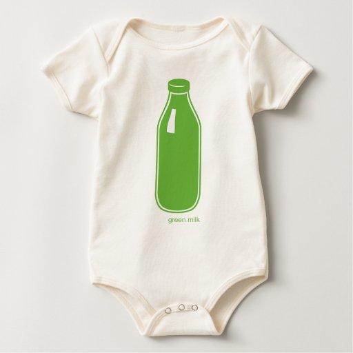 Camisa verde del niño de la leche