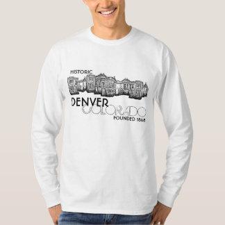 Camisa vieja histórica de los individuos de la