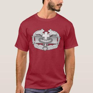 Camiseta 2 de la insignia del médico del combate