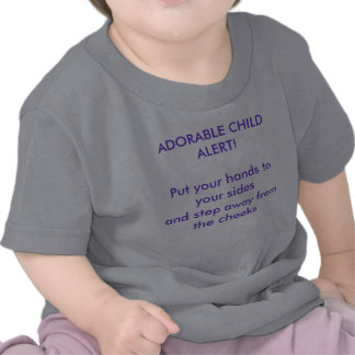 Camiseta adorable del niño