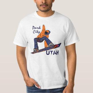 Camiseta anaranjada del valor de la snowboard de