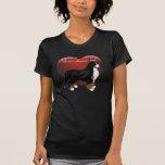 Camiseta apilada perro del corazón de MadDog