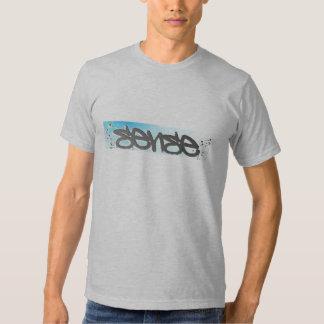 Camiseta aplacada del sentido remeras