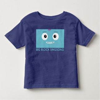 Camiseta azul del niño de la banda de la diversión
