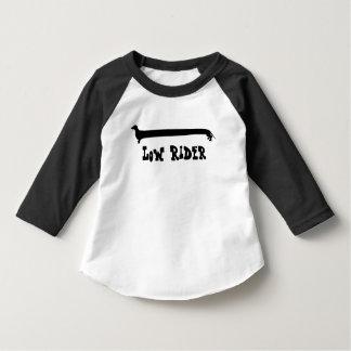 Camiseta baja del Dachshund del jinete de los Playera De Bebé
