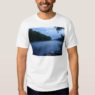 Camiseta básica - niebla del río Chattahoochee Playeras