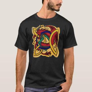 Camiseta céltica de los individuos del dragón