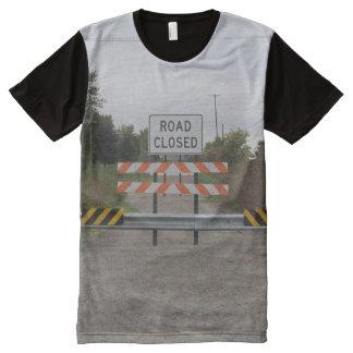 Camiseta cerrada del camino
