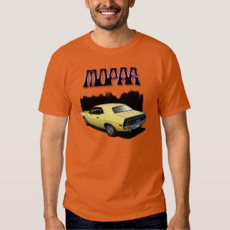 Camiseta clásica del coche del desafiador de Mopar Playera