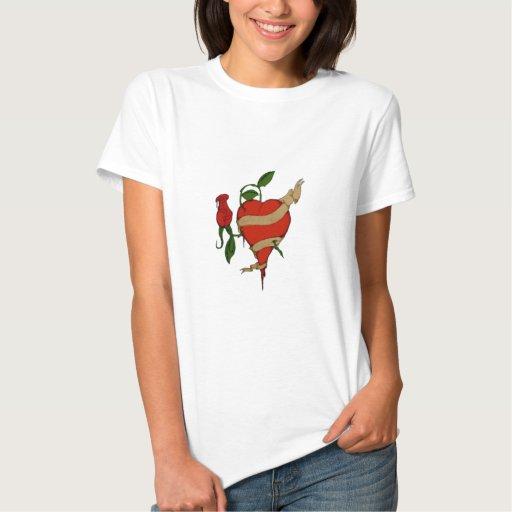 Camiseta color de rosa del corazón