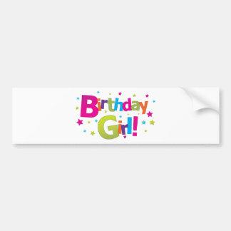 Camiseta colorida del chica del cumpleaños etiqueta de parachoque