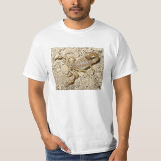 Camiseta con el escorpión