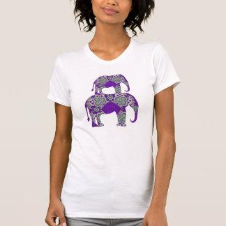 Camiseta con los elefantes decorativos polera