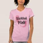 Camiseta cosquilleada de las señoras rosadas