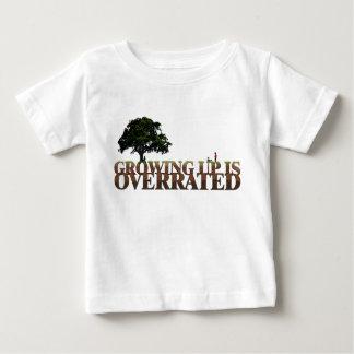 Camiseta cristiana del bebé - creciendo se