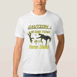 Camiseta de American Apparel de la precaución de Camisas