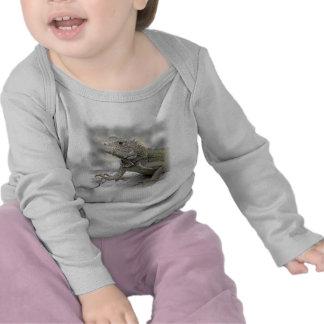 Camiseta de cuernos del niño de la iguana