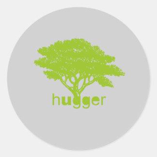 Camiseta de Hugger del árbol Etiqueta Redonda