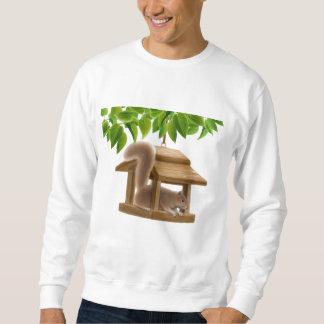 Camiseta de la ardilla del alimentador del pájaro
