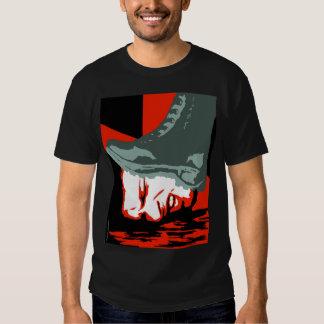 Camiseta de la bota de Orwell Playeras