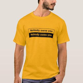 ¡Camiseta de la libertad encajonada - nadie le Playera
