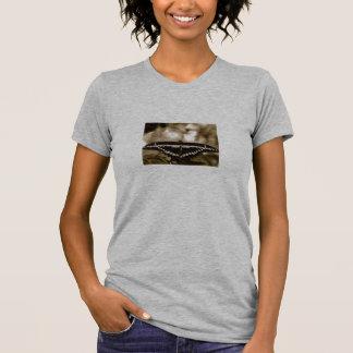 Camiseta de la mariposa polera
