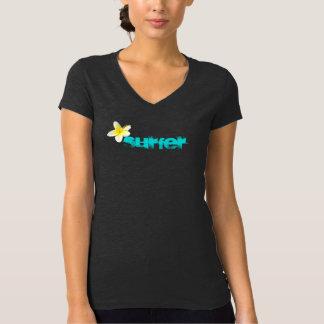Camiseta de la persona que practica surf camisas