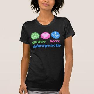 Camiseta de la quiropráctica del amor de la paz