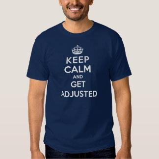 Camiseta de la quiropráctica - guarde la calma y c playeras