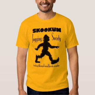 Camiseta de la sociedad de Scookum que activa Poleras