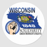 Camiseta de la solidaridad de Wisconsin Pegatina Redonda