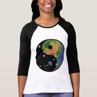 Camiseta de la tierra de Yin Yang Remeras