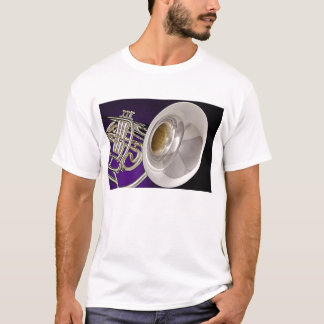 Camiseta de la trompa que marcha