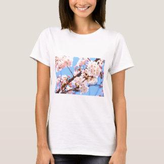 Camiseta de las flores de cerezo de Japón
