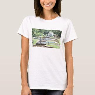 Camiseta de las puertas de esclusa del canal