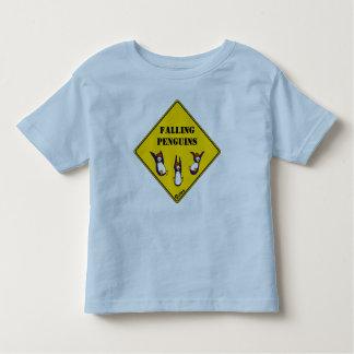 Camiseta de los pingüinos que cae