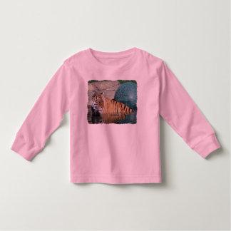 Camiseta de manga larga del rosa del niño del