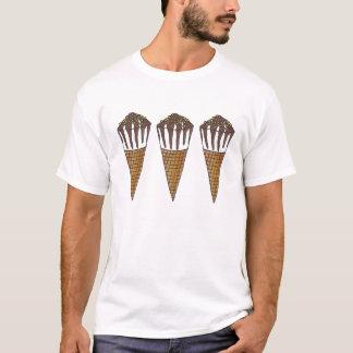 Camiseta de nuez del cono de los conos de helado