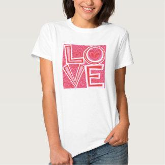 Camiseta del AMOR y de los corazones Playera