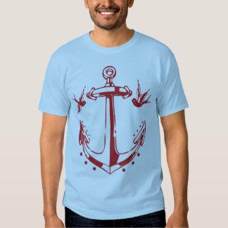 Camiseta del ancla y del gorrión del tatuaje del polera