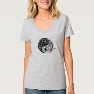 Camiseta del arte pop de Nancy (cuello de la uve) Camisas