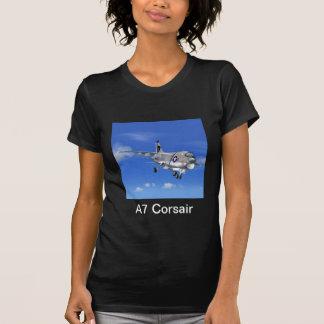Camiseta del avión de combate del corsario A7