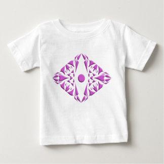 Camiseta del bebé con diseño del modelo playeras